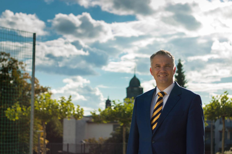 Usingen wählt Steffen Wernard. Pressefoto: Steffen Wernard - Bürgermeister Stadt Usingen - 2015