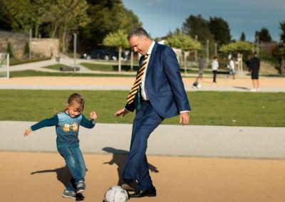 Steffen Wernard - Bürgermeister Stadt Usingen -  Sportfläche Usinger Schlosspark - 2015 - IMG_8625