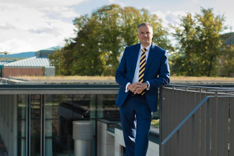Steffen Wernard. Bürgermeister der Stadt Usingen informiert über den SchlossgartenCampus