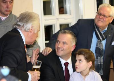 Erfolgreicher-Wahlkampf-mit-PR-Berater-Dirk-Rabis_Steffen-Wernard-Buergermeister-Stadt Usingen_2728